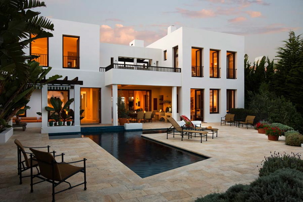 Casa bianca pictures houses by christopher gelber for Nice big homes