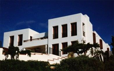 casa bianca from beach