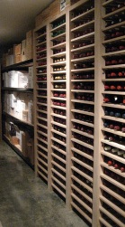 vino - with case storage